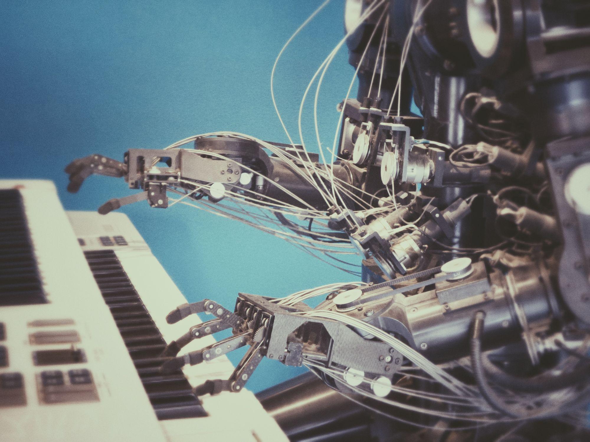 Sztuczna inteligencja w HR – transformacja procesów od rekrutacji po employee experience