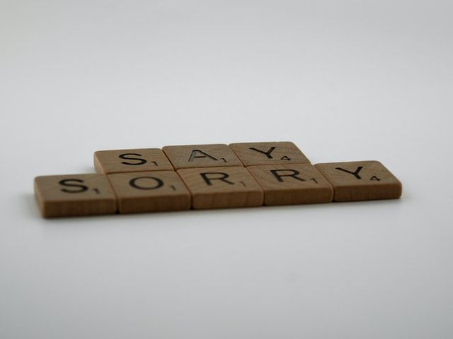 Przeprosiny nie sprawią, że będziesz się wydawać mniej kompetentny w oczach klientów - wręcz przeciwnie!